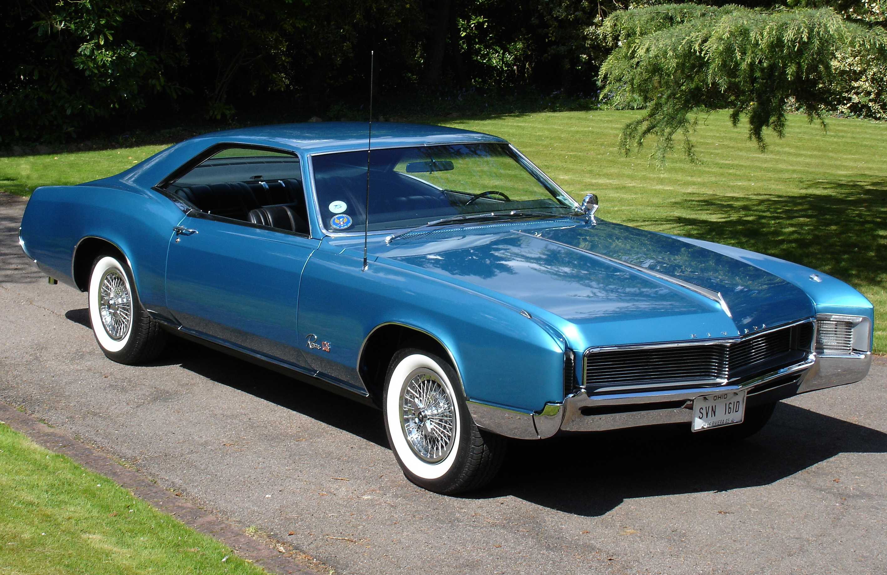Description 1966 Buick Riviera -Side View.jpg