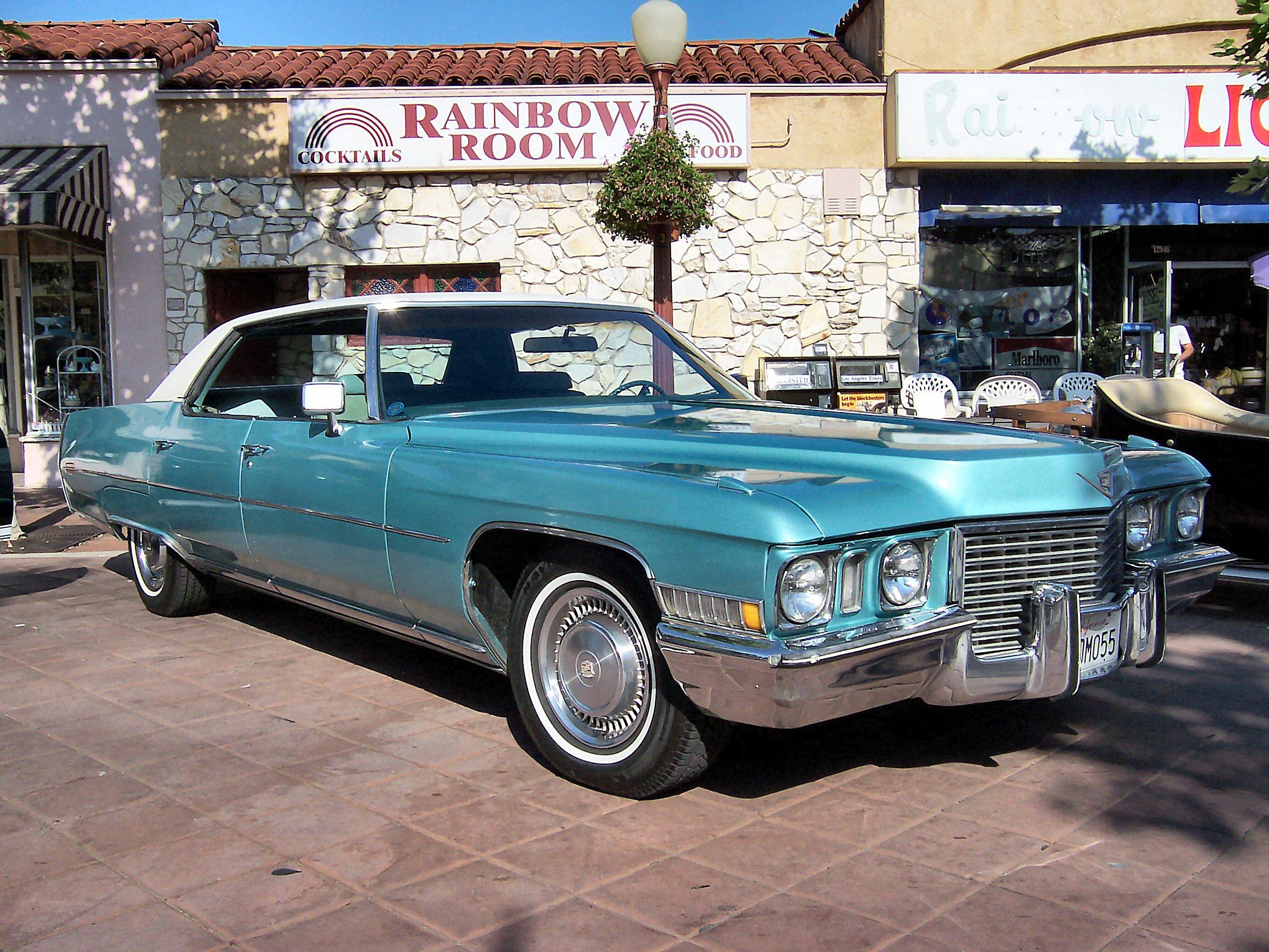File:1972 Cadillac Sedan de Ville.jpg - Wikimedia Commons