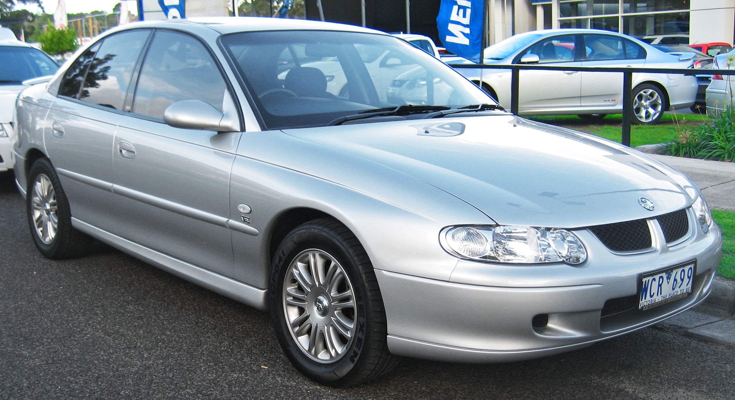 Holden Commodore (VX) - Wikipedia
