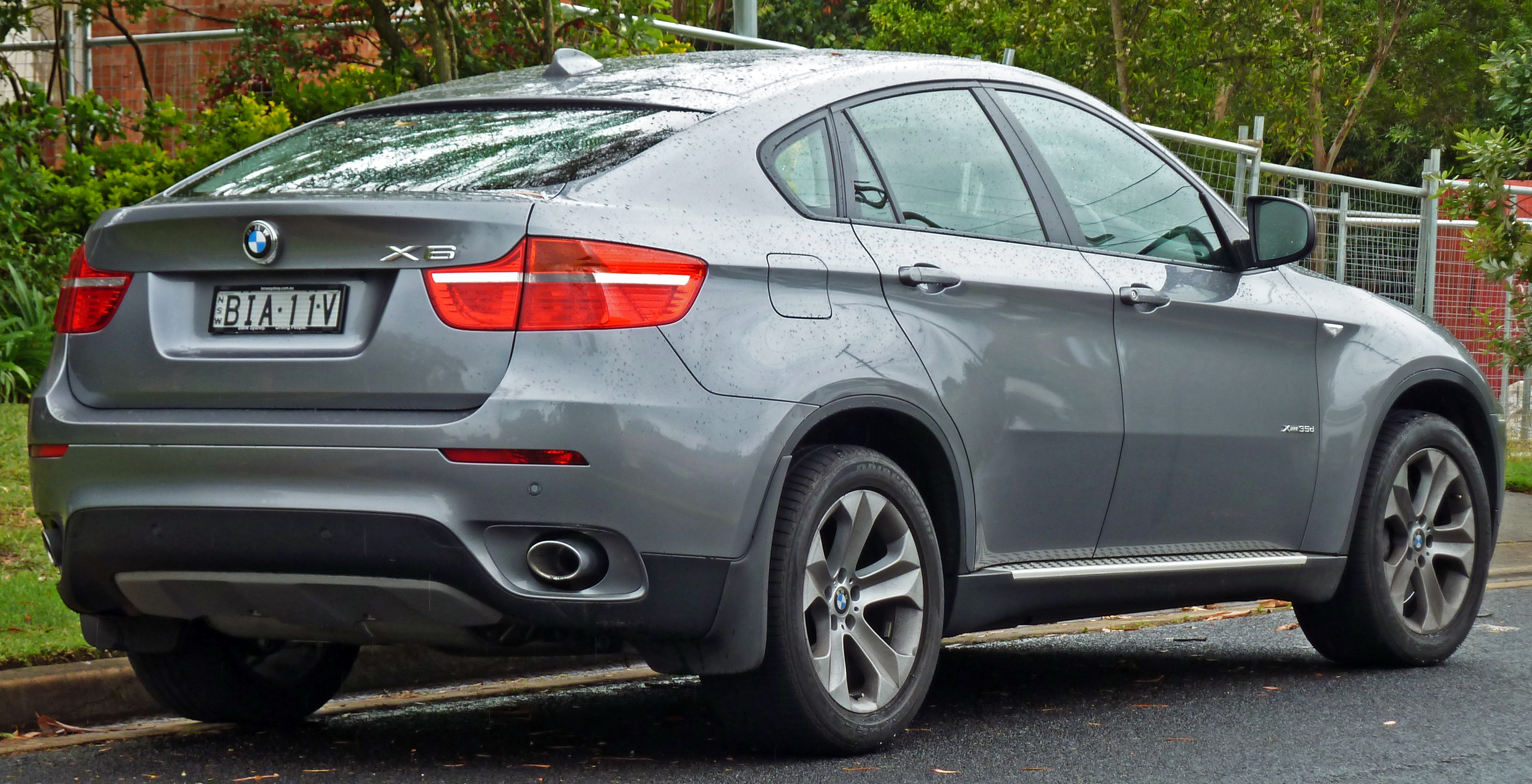 File 2008 2010 Bmw X6 E71 Xdrive35d Wagon 02 Jpg Wikimedia Commons