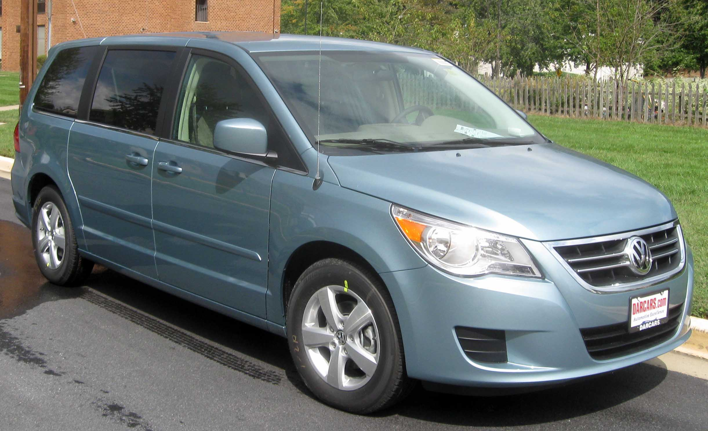 my cars blog volkswagen routan. Black Bedroom Furniture Sets. Home Design Ideas
