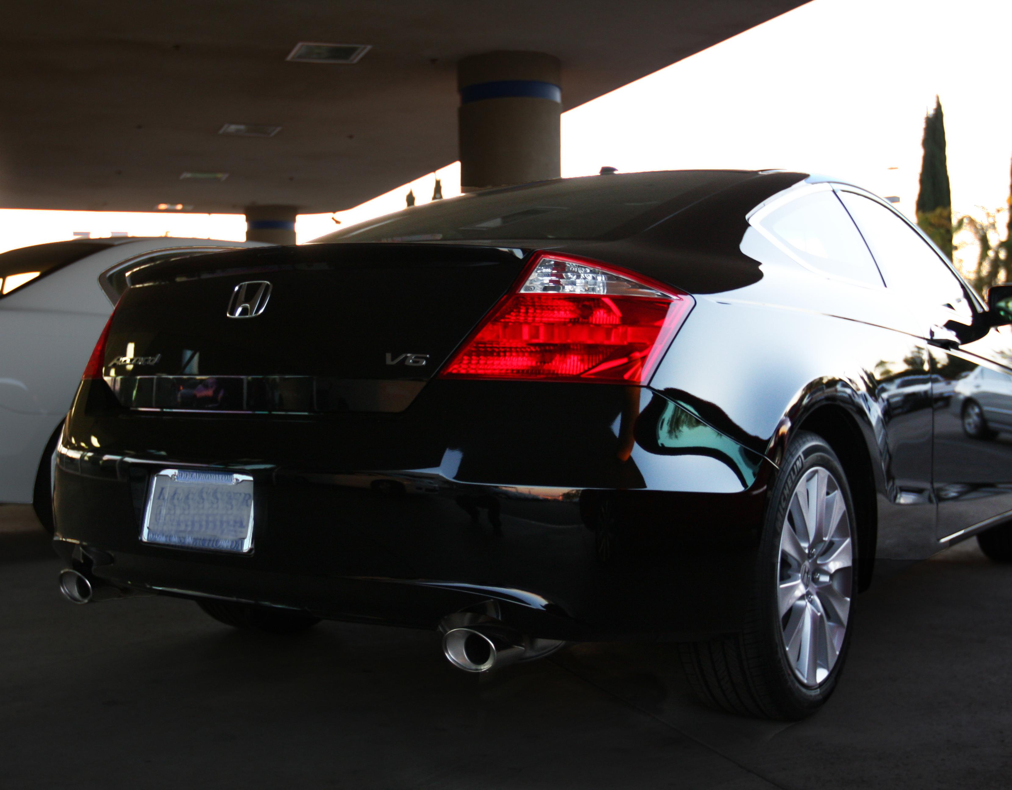 File:2010 Honda Accord Coupe (3976650487).jpg - Wikimedia Commons