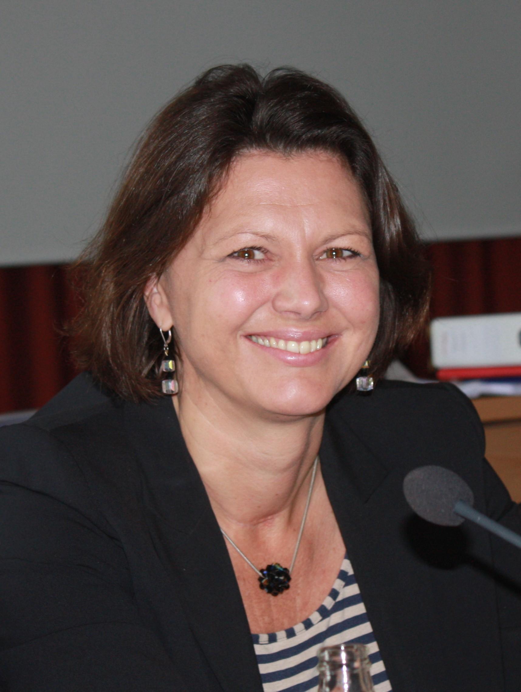 Ilse Aigner - Wikipedia, the free encyclopedia