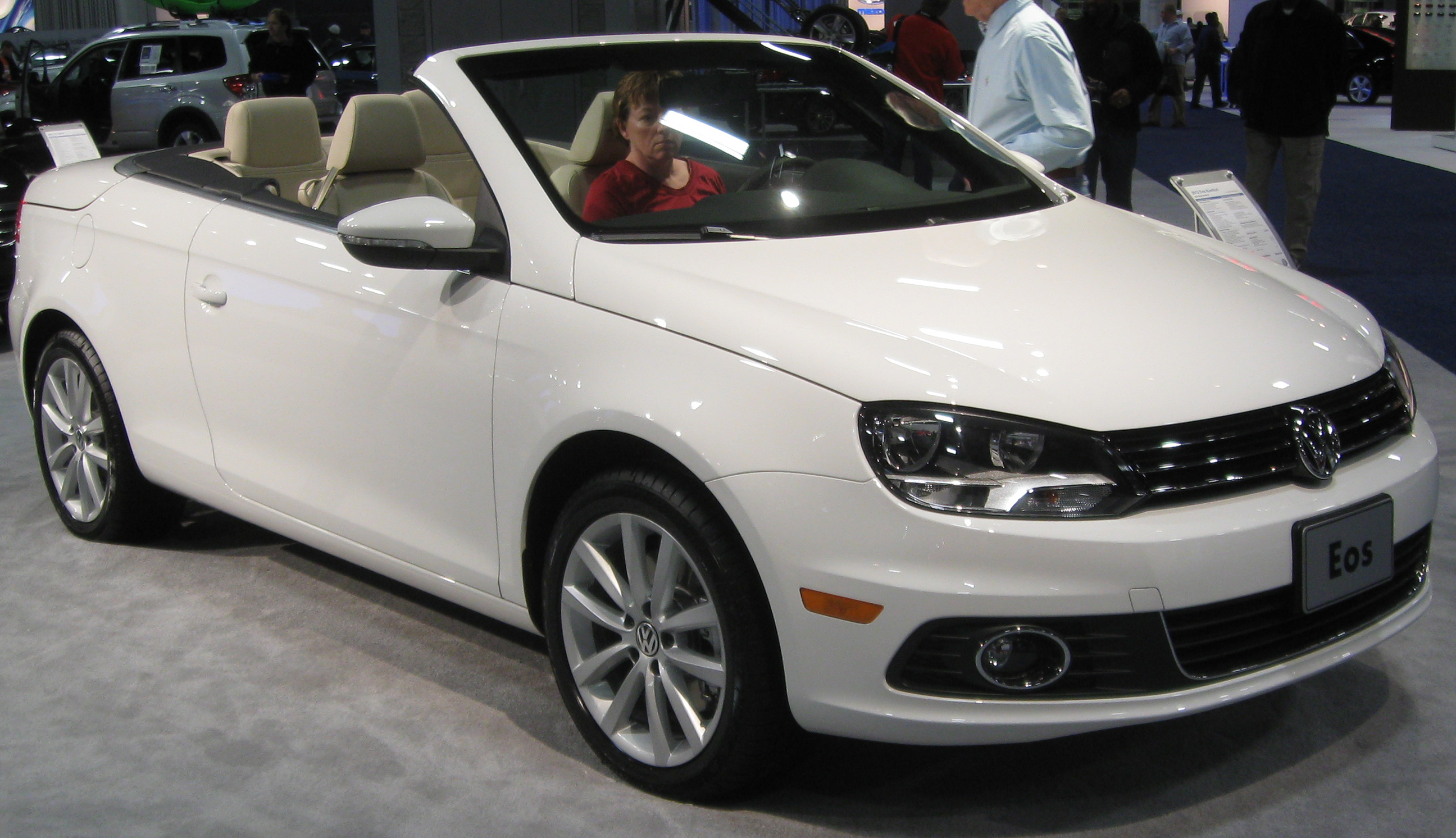 File:2012 Volkswagen Eos -- 2011 DC.jpg - Wikimedia Commons
