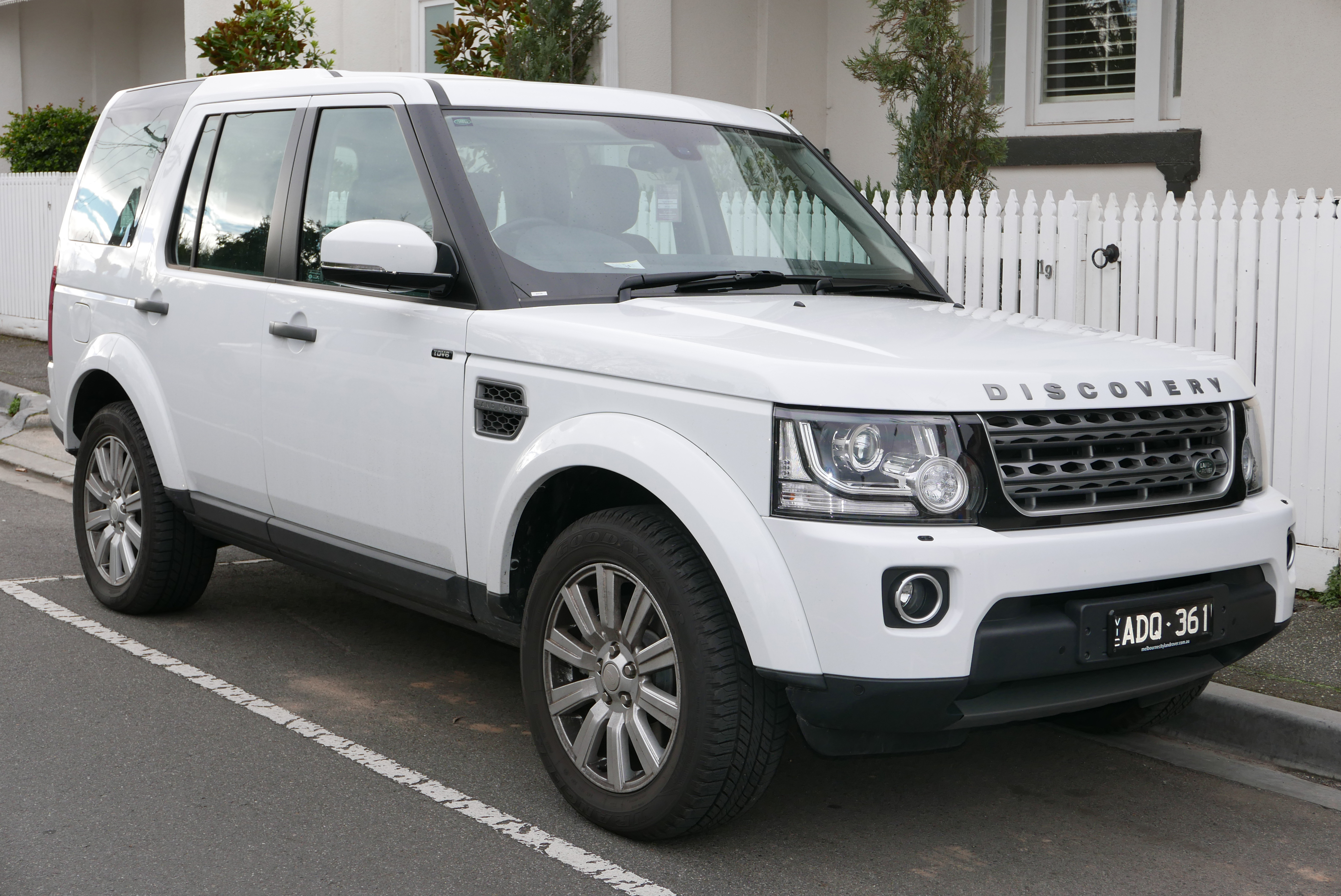 land rover discovery 4 2013 brochure pdf