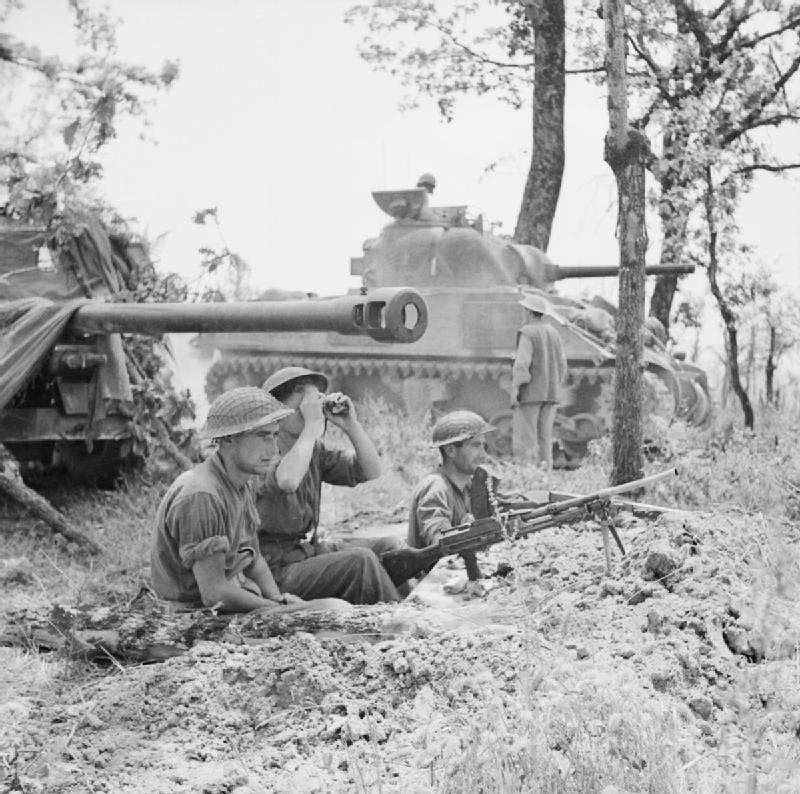 German 50 Mm Anti Tank Gun: File:A British 17-pdr Anti-tank Gun And Sherman Tank Near