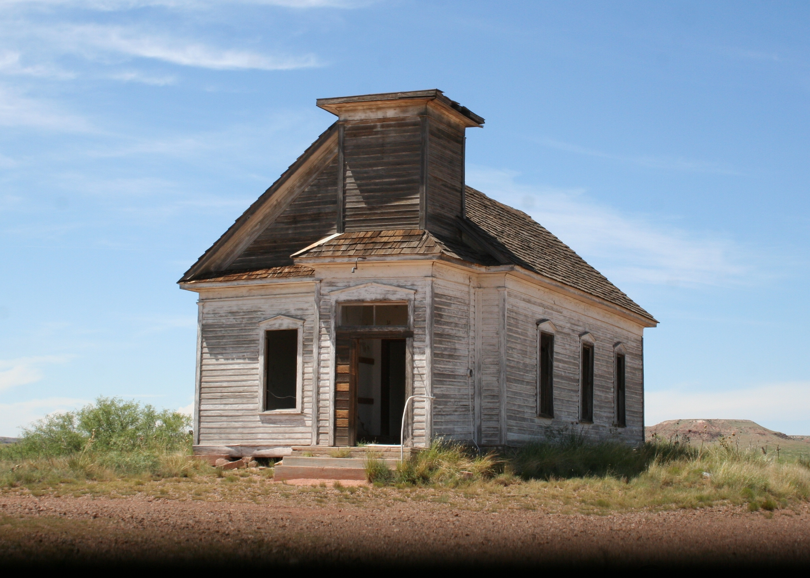 File:abandoned Church in New