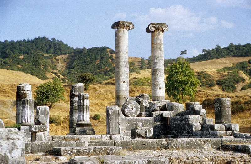 File:Artemistempel Sardes.jpg - Wikimedia Commons