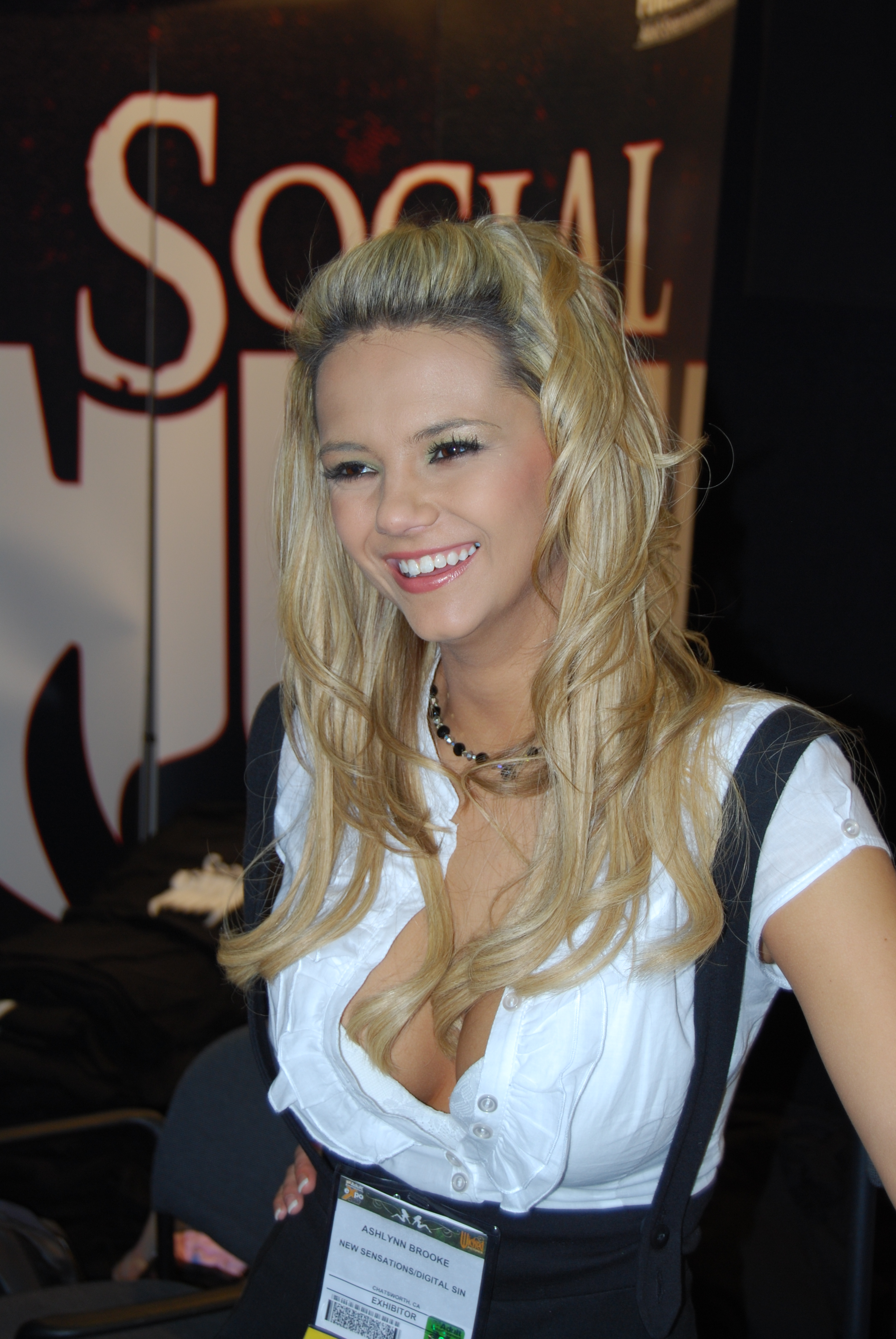 Fileashlynn Brooke At Avn Adult Entertainment Expo 2008 2 Jpg