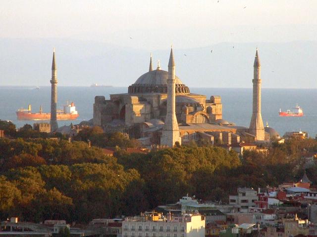 Стамбул — красивый город на границе двух континентов