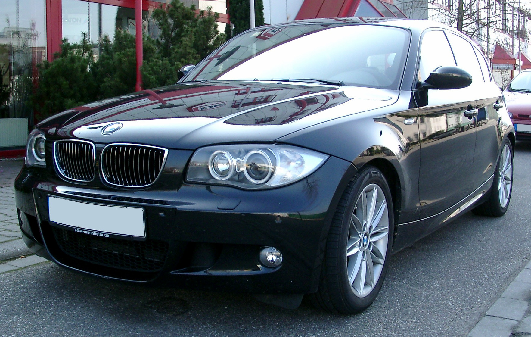 File BMW 1series front Wikimedia mons