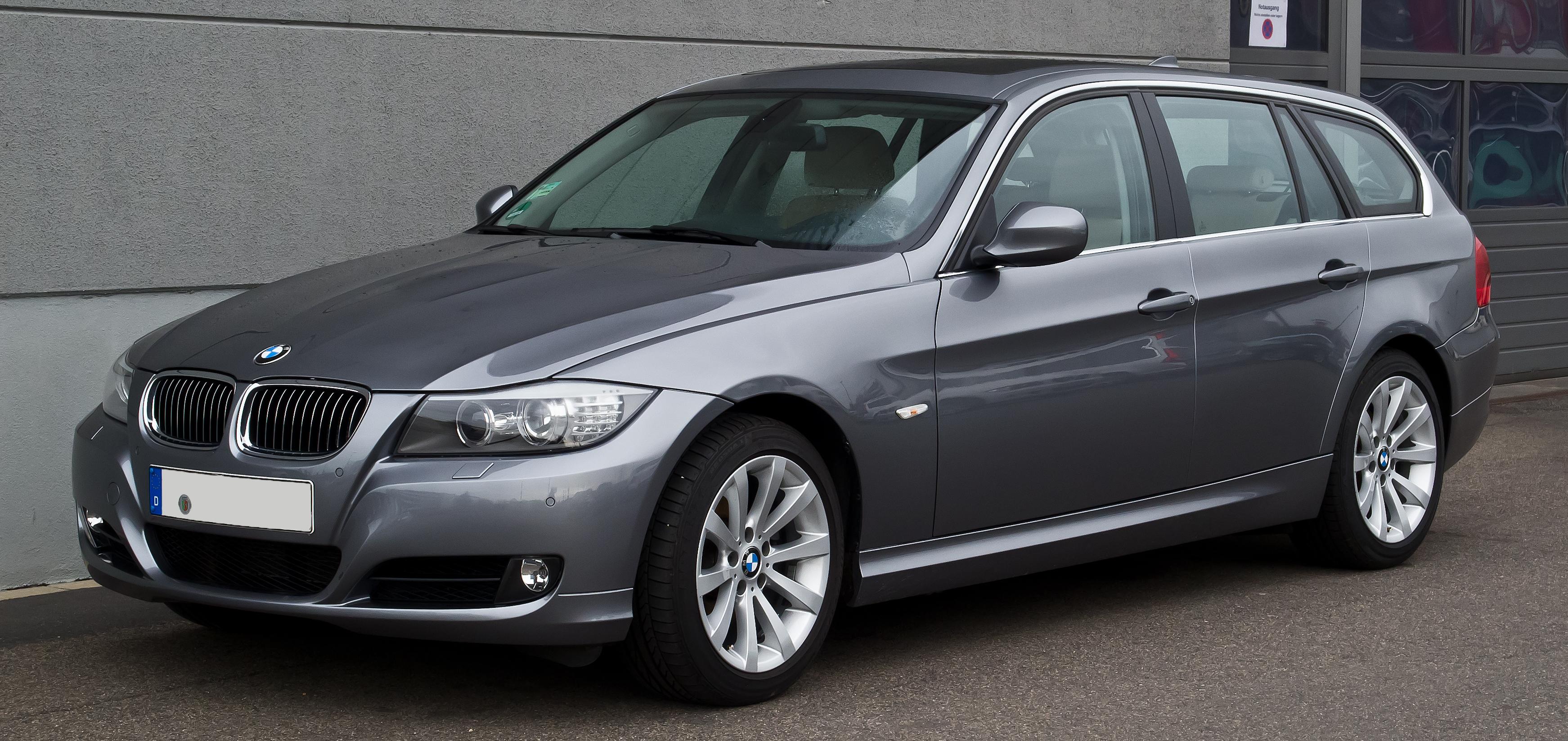 file bmw 325i touring e91 facelift frontansicht 26 dezember 2013 d. Black Bedroom Furniture Sets. Home Design Ideas