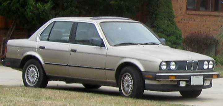 File Bmw E30 Sedan Jpg Wikimedia Commons