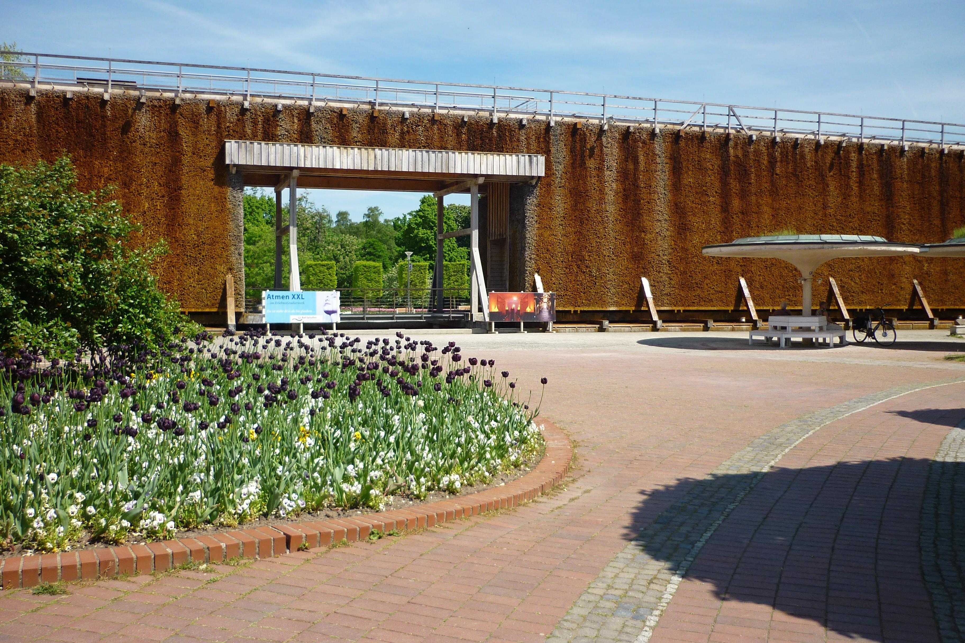 Bad Salzuflen Germany  city photos gallery : Datei:Bad Salzuflen neues Gradierwerk 2011 – Wikipedia