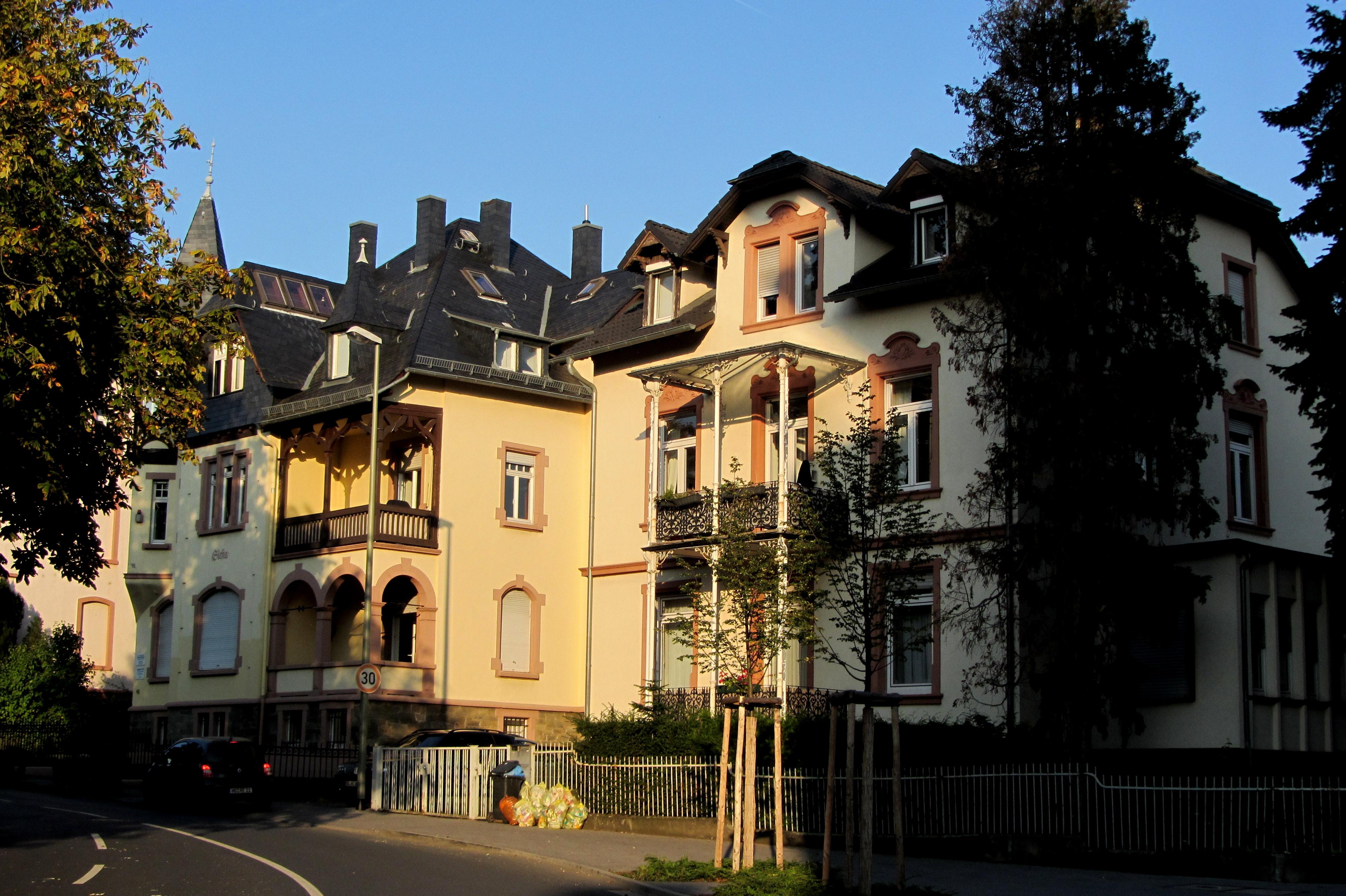 File:Bad Soden am Taunus - Kronberger Straße.JPG ...