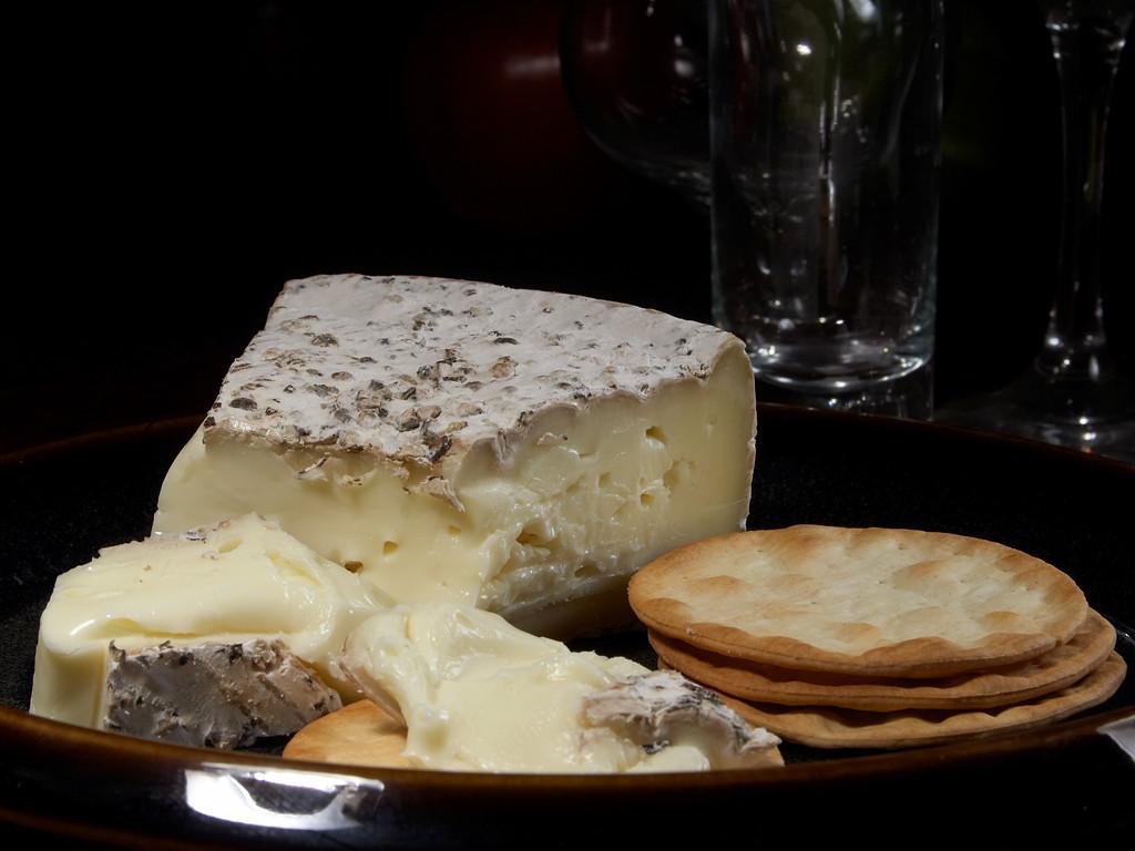 File Brie Suris Jpg Wikimedia Commons