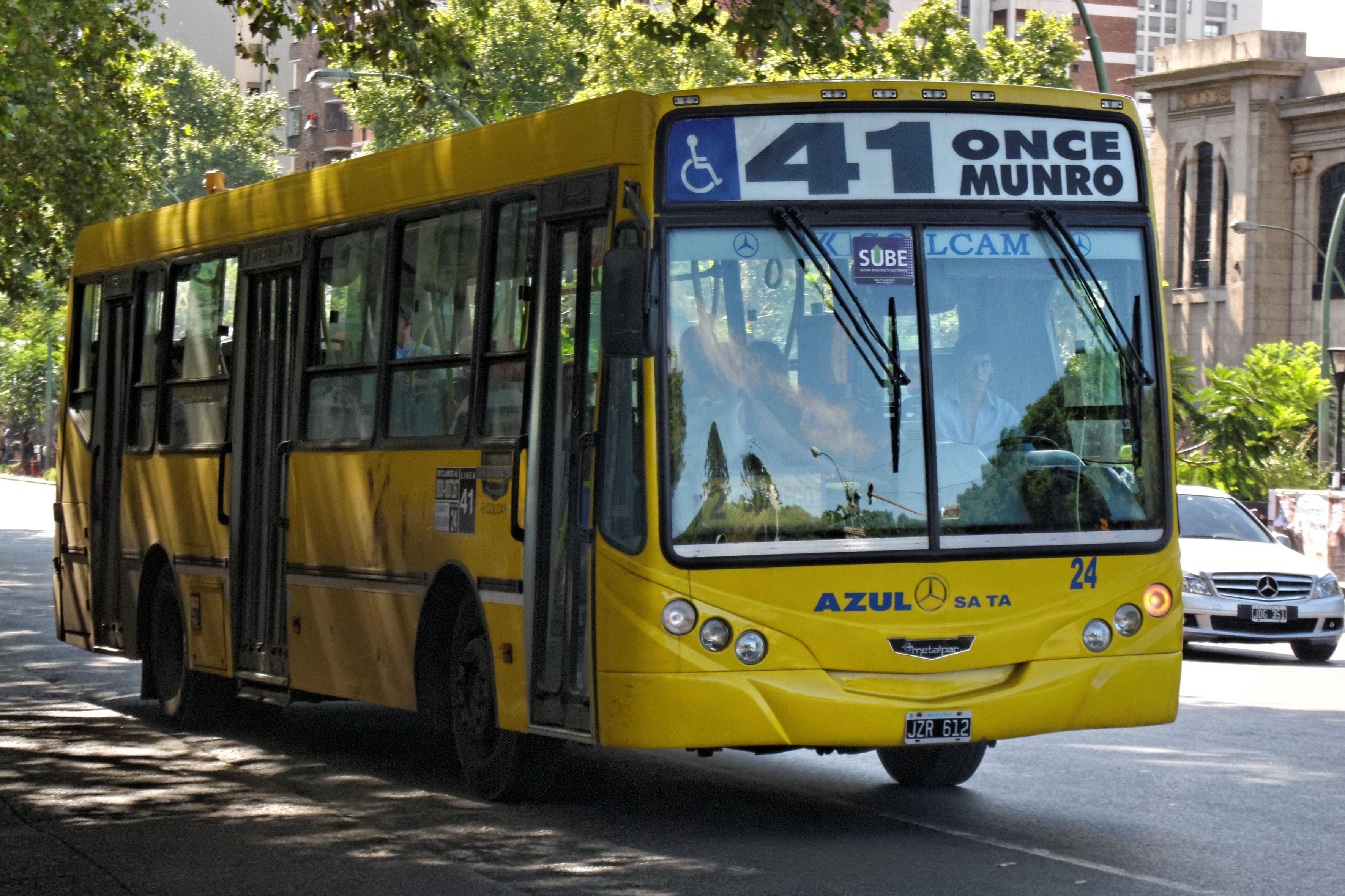 El hilo de las mil imágenes - Página 3 Buenos_Aires_-_Colectivo_41_-_120227_154241