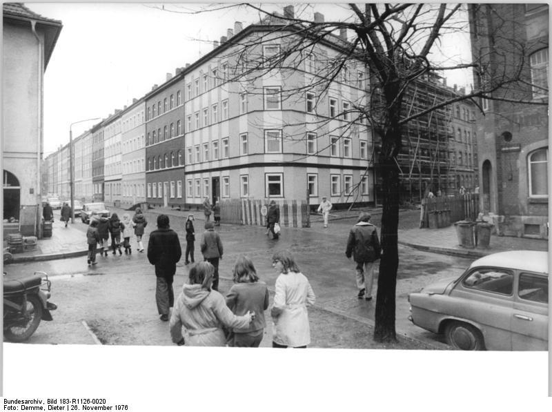 File Bundesarchiv Bild 183 R1126 0020 Erfurt Adalbertstrasse