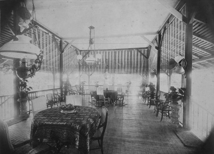 File collectie tropenmuseum interieur van het secretaris huis van