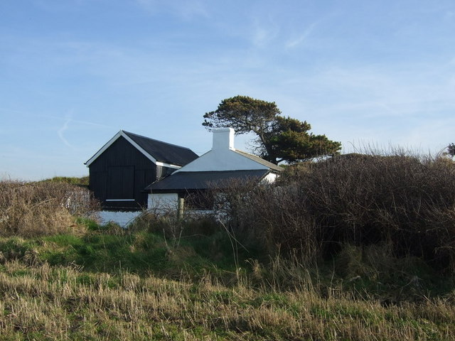 Cable hut, Abermawr - geograph.org.uk - 685341
