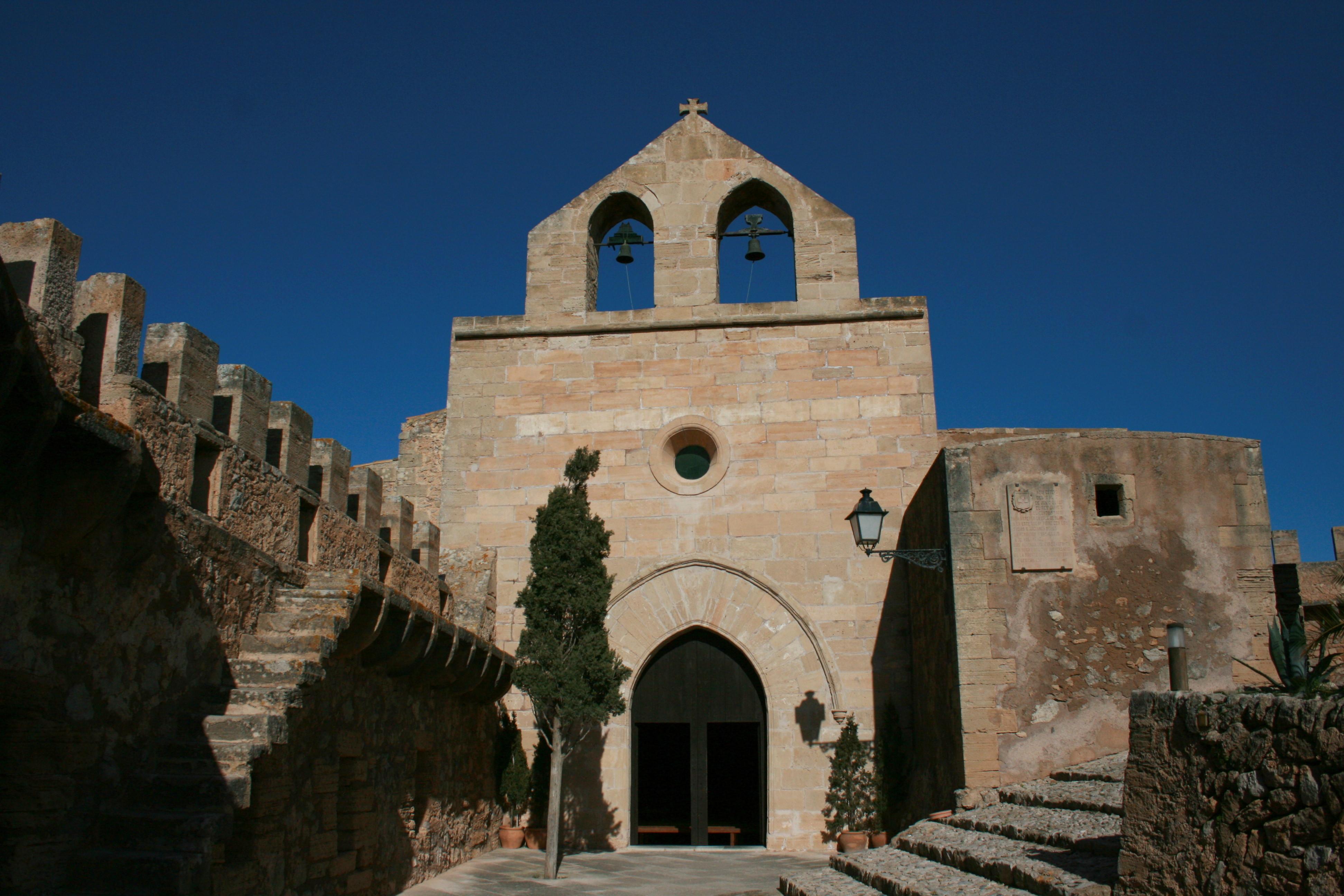 File:Capdepera - Castell de Capdepera - Nuestra Senyora 01 ies.jpg - Wikimedi...