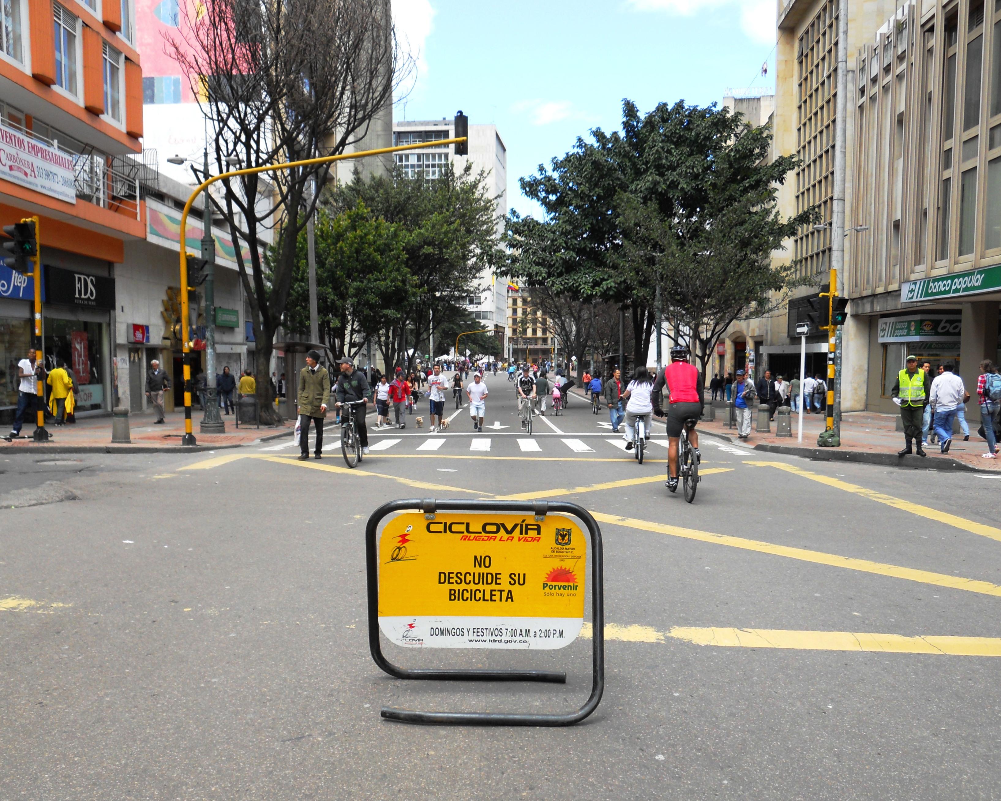 Resultado de imagen de Ciclovía de Bogotá