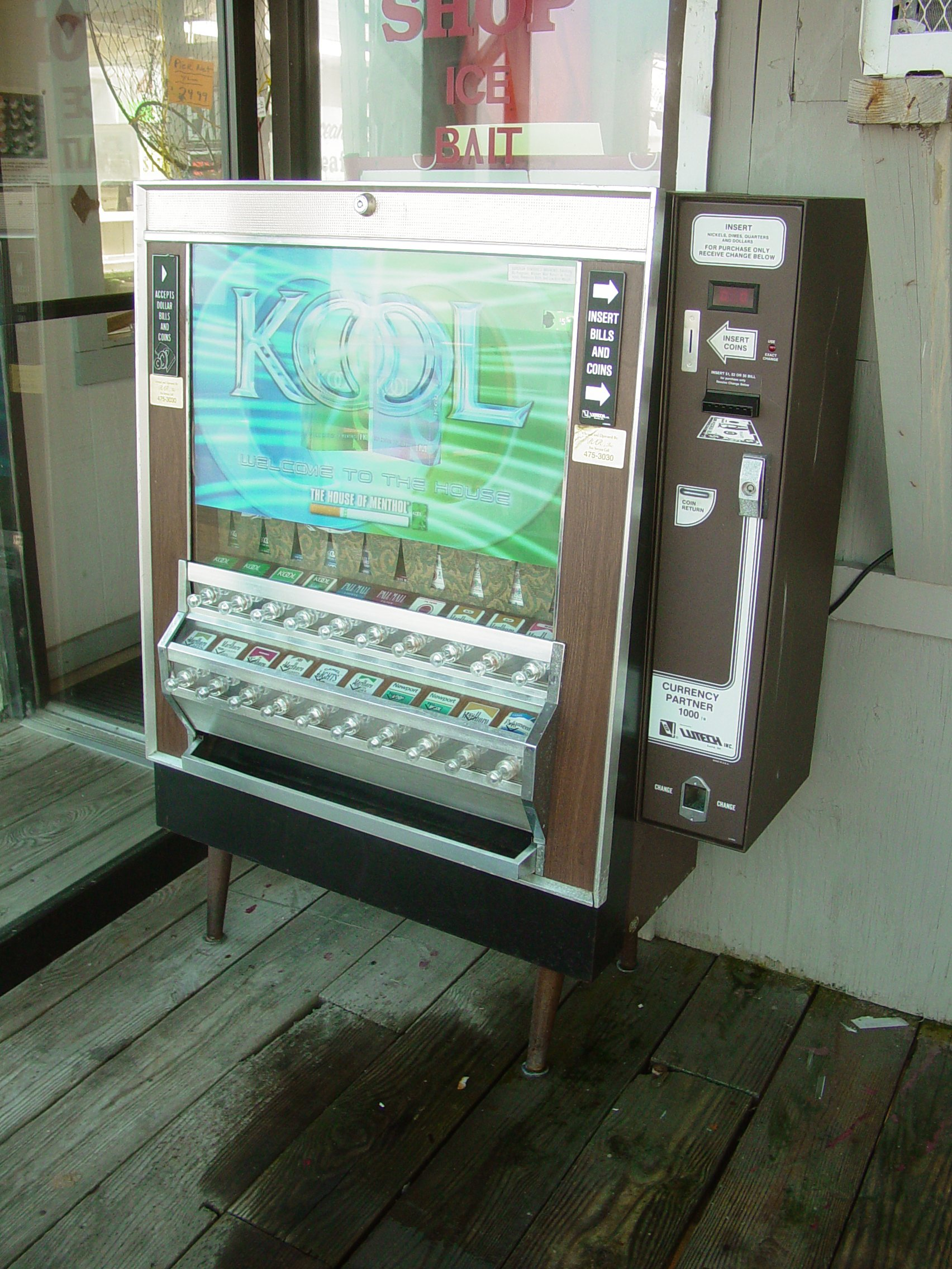 Betere Cigarette machine - Wikipedia QD-18