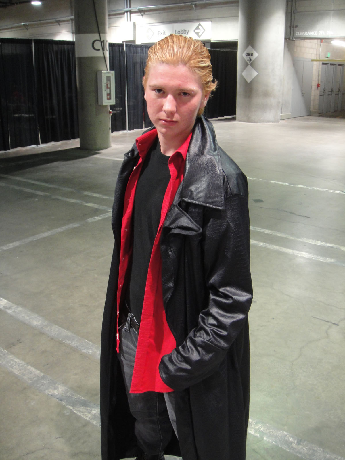 file:comikaze expo 2011 - spike from buffy the vampire slayer