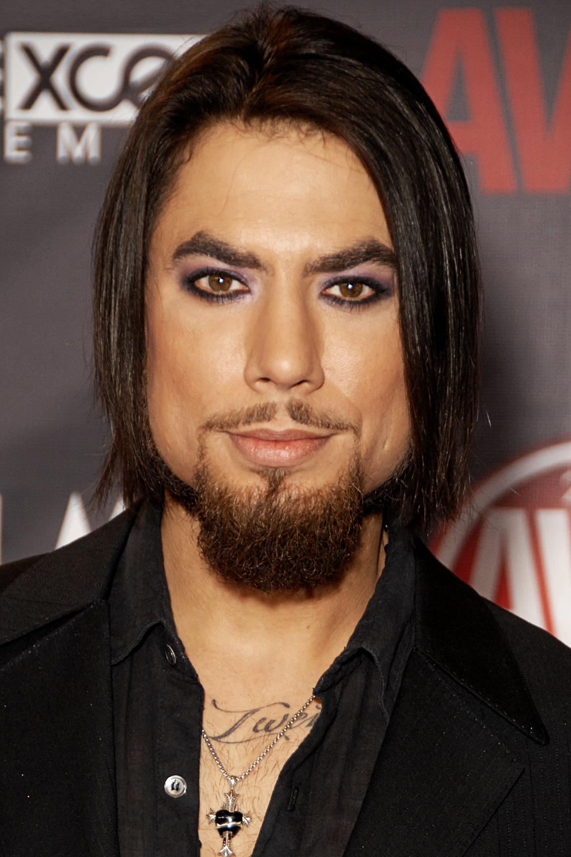 The 51-year old son of father (?) and mother(?) Dave Navarro in 2018 photo. Dave Navarro earned a  million dollar salary - leaving the net worth at 25 million in 2018