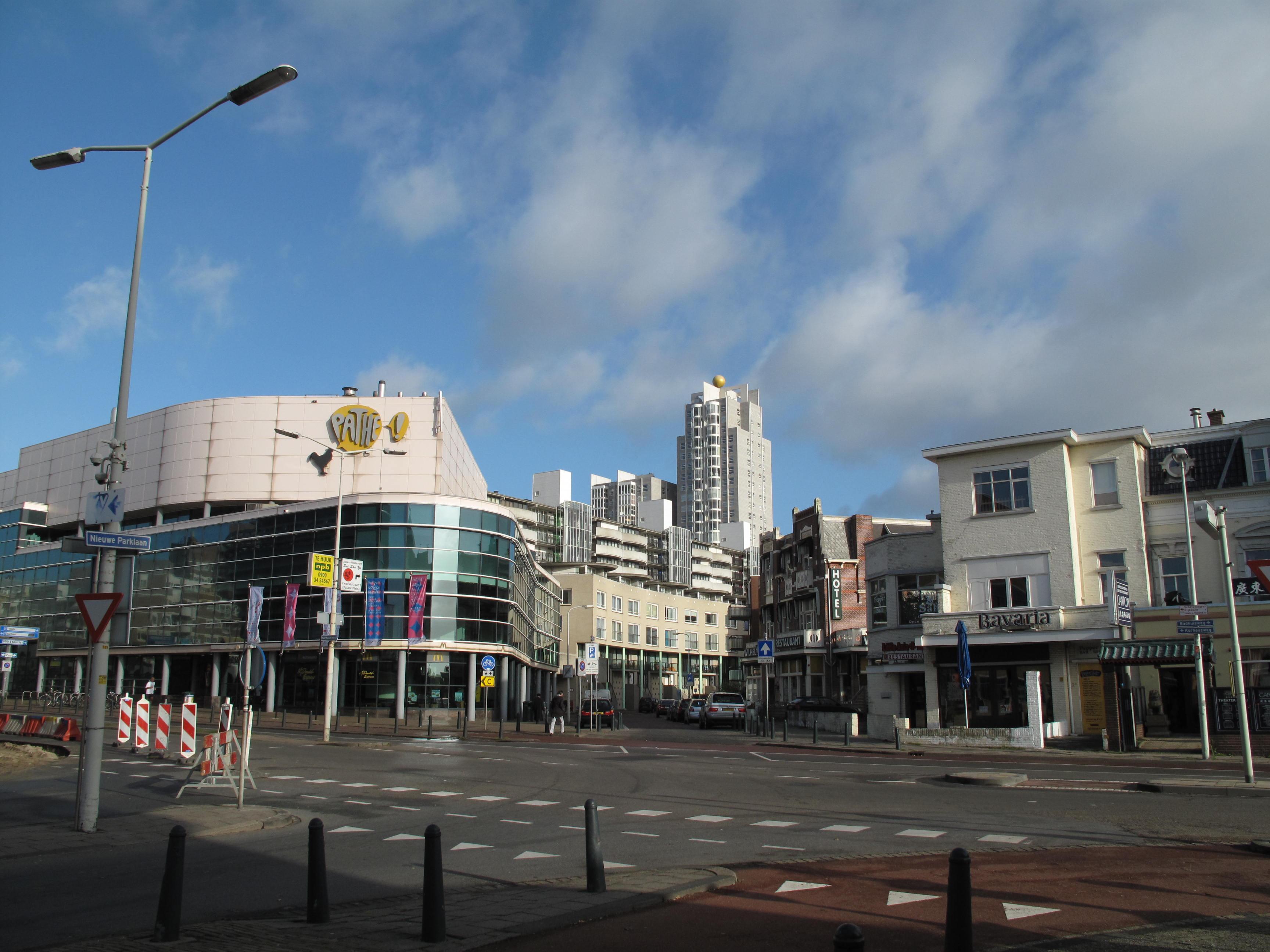 File Den Haag Scheveningen, straatzicht1 bij Kurhaus 2009 10 25 09 51 JPG   Wikimedia Commons