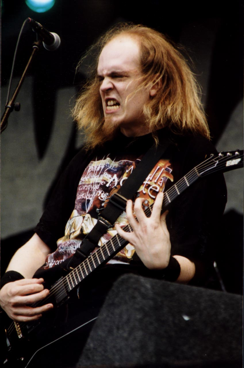 https://upload.wikimedia.org/wikipedia/commons/f/f2/Devin_Townsend.jpg