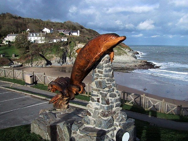 Dolphin statue, Aberporth - geograph.org.uk - 359125