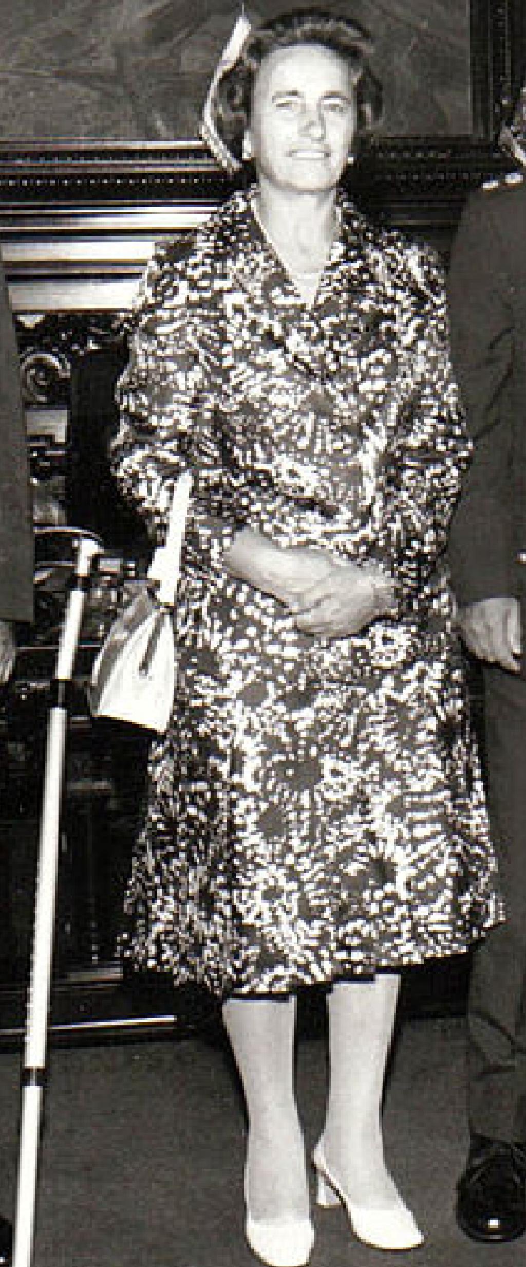 Fichier:Elena Ceaucescu.png — Wikipédia