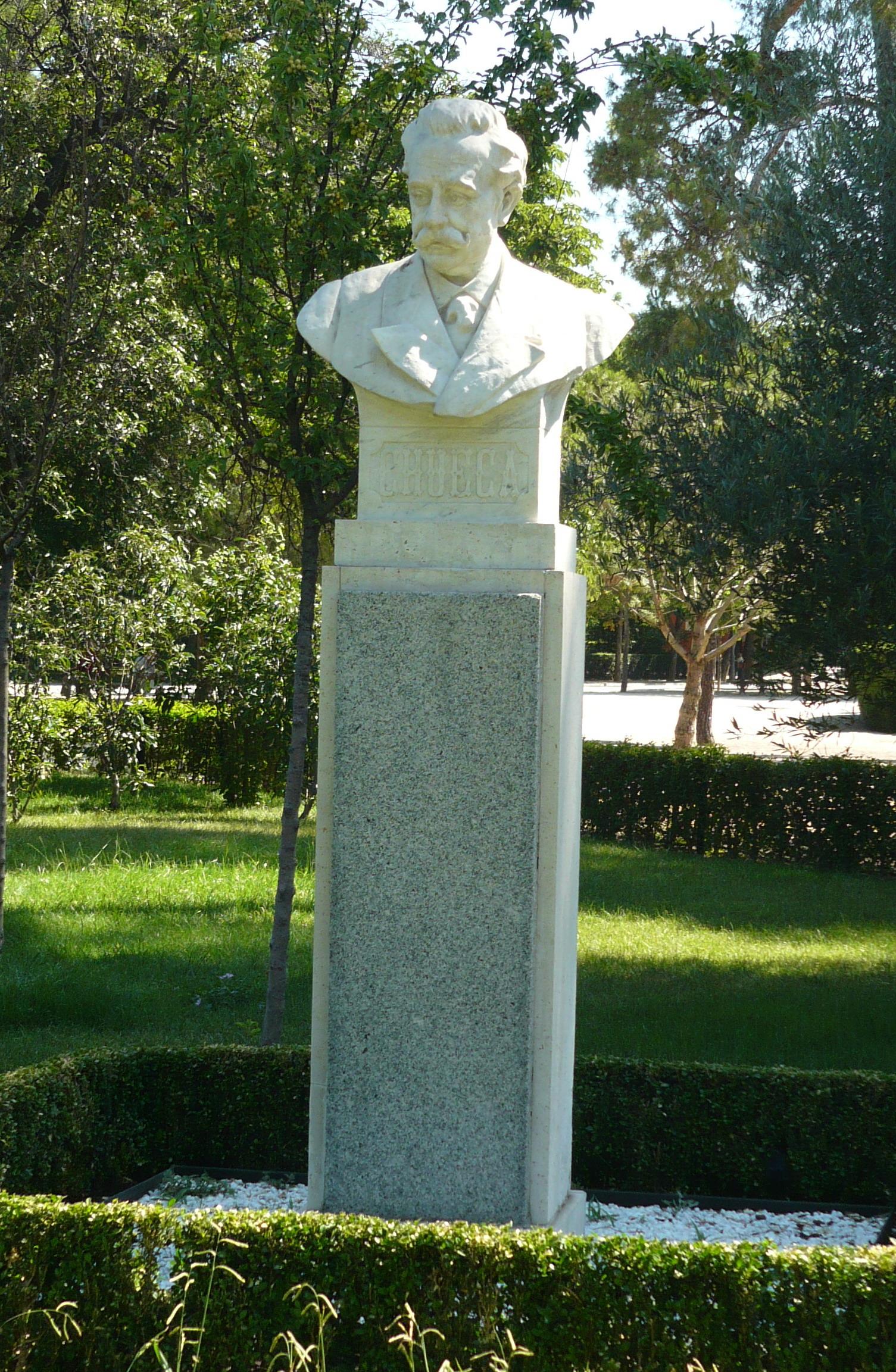Monumento a Chueca en el parque de El Retiro de Madrid.