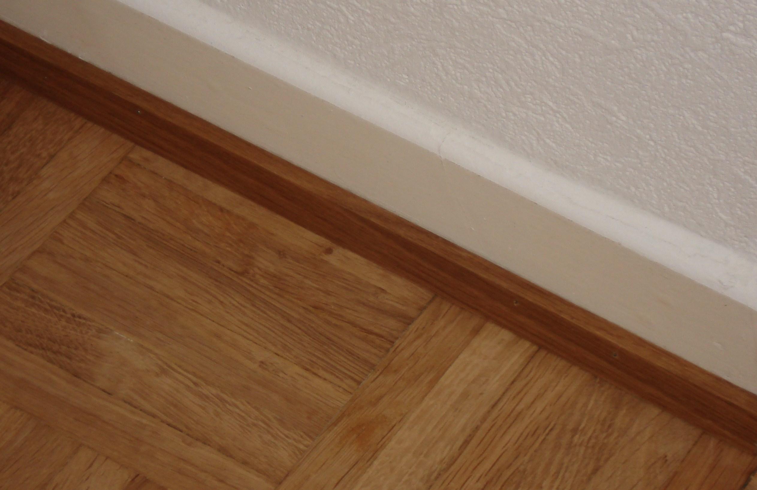 Fußbodenleiste file fußbodenleiste jpg wikimedia commons