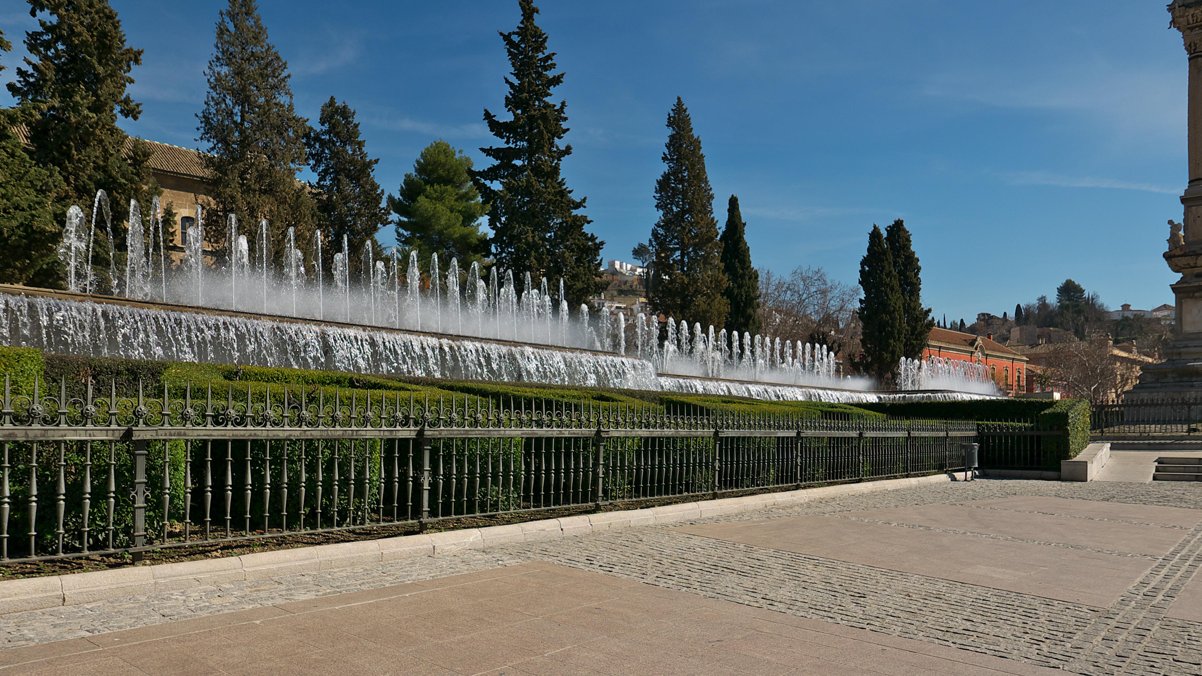 File fuente de los jardines del triunfo granada jpg for Jardines triunfo granada