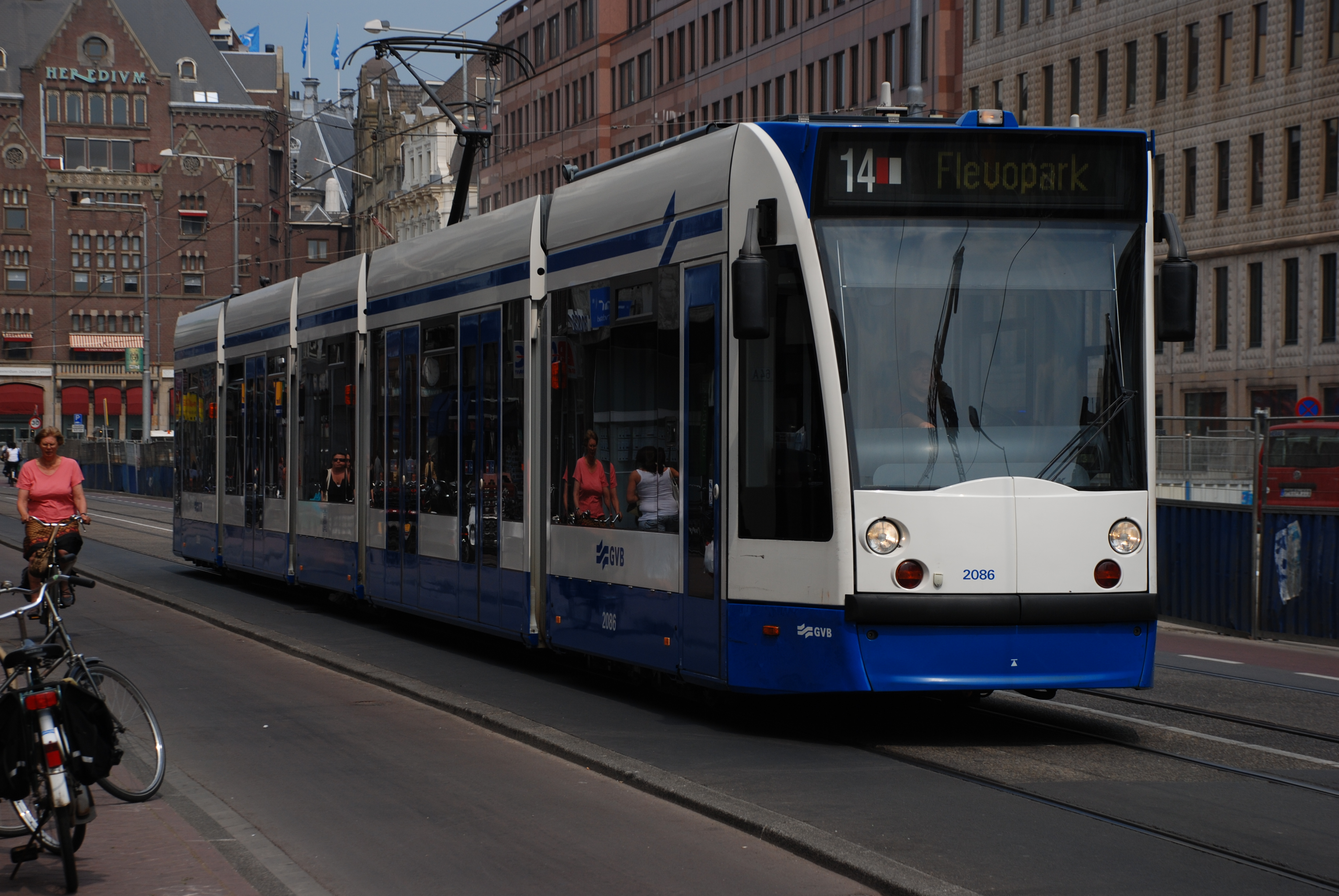 Build Your Own Car >> File:GVB Combino 2086 (Amsterdam tram) on route 14, May 2008.jpg - Wikimedia Commons