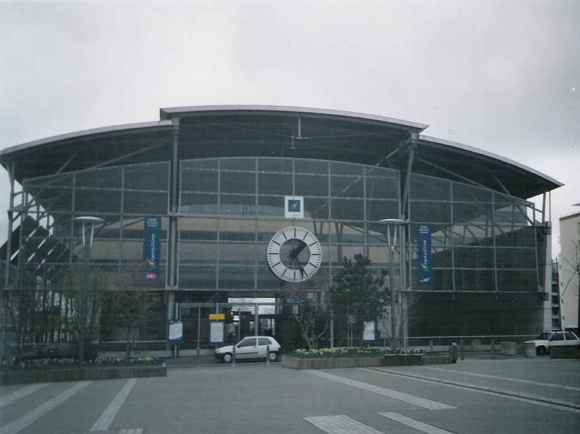 Stazione di cergy le haut wikipedia for Piscine cergy prefecture
