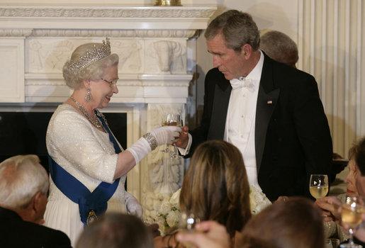 File George W Bush And Elizabeth Ii Toasts 2007 Jpg Wikimedia Commons