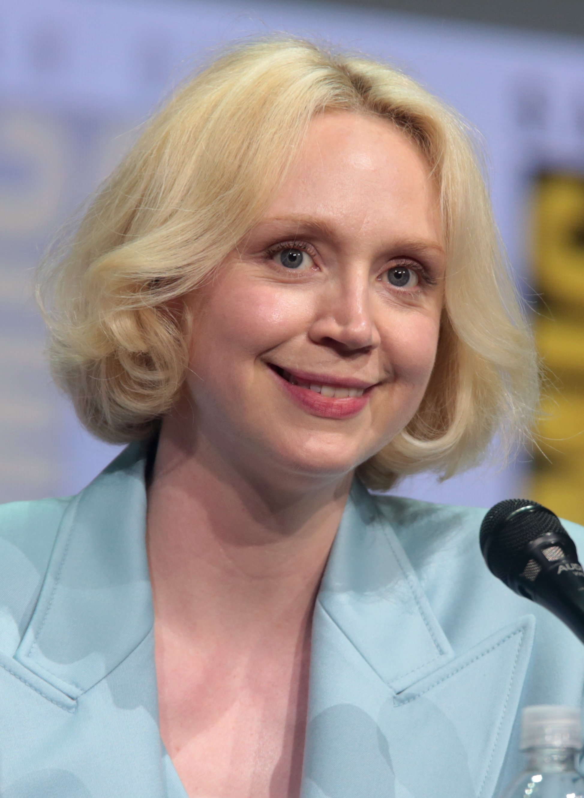 The 40-year old daughter of father (?) and mother(?) Gwendoline Christie in 2018 photo. Gwendoline Christie earned a  million dollar salary - leaving the net worth at 0.5 million in 2018