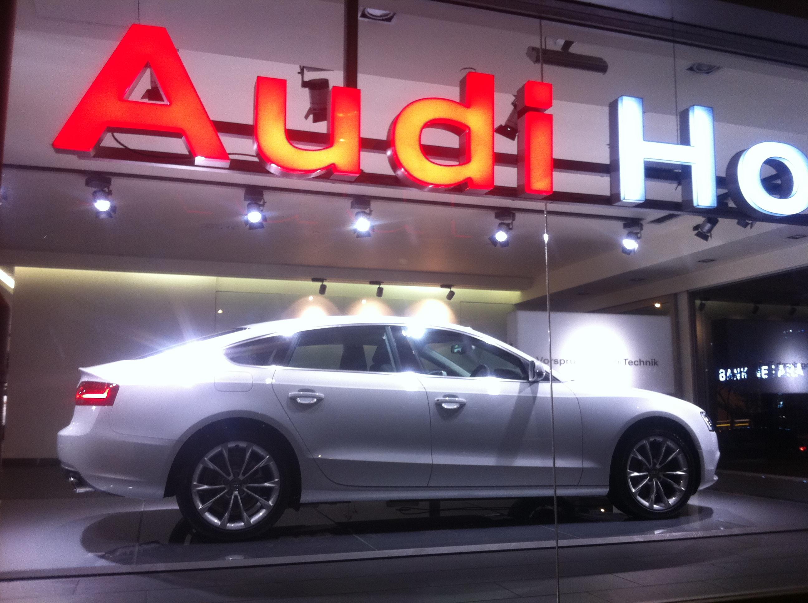 File Hk Admiralty Night 夏慤道 Harcourt Road Shop Audi Hong
