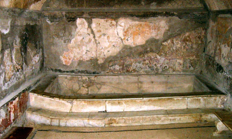 File Herculaneum Terme Urbane Caldarium Femminile Jpg