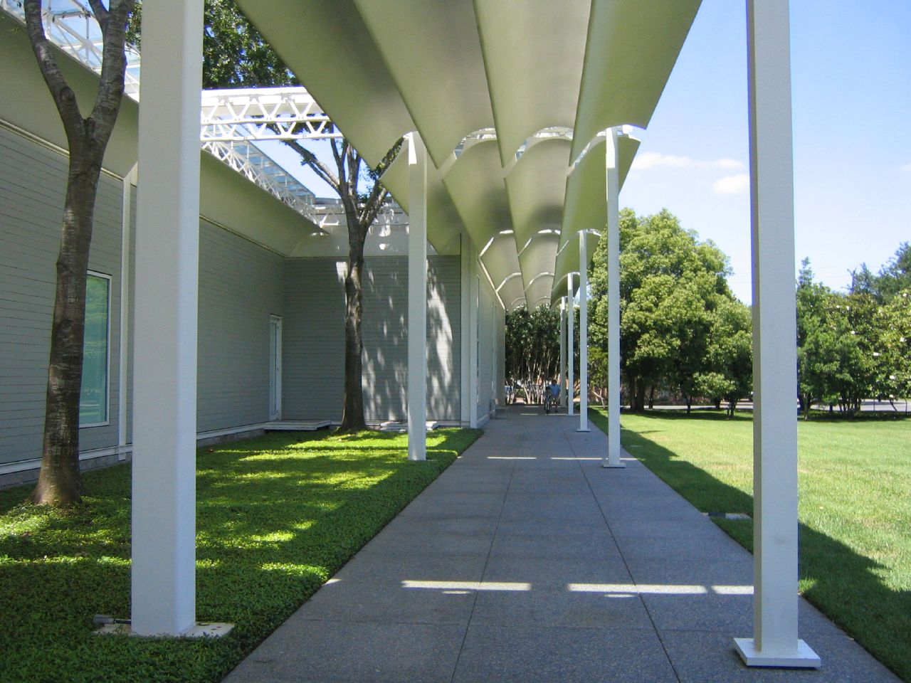menil collection Menil collectionthe menil collection in houston displays the vast art collection of its founders, dominique and john de menilthe museum, which opened to the public on june 7, 1987, also hosts special exhibits, which include works on loan from other collections.