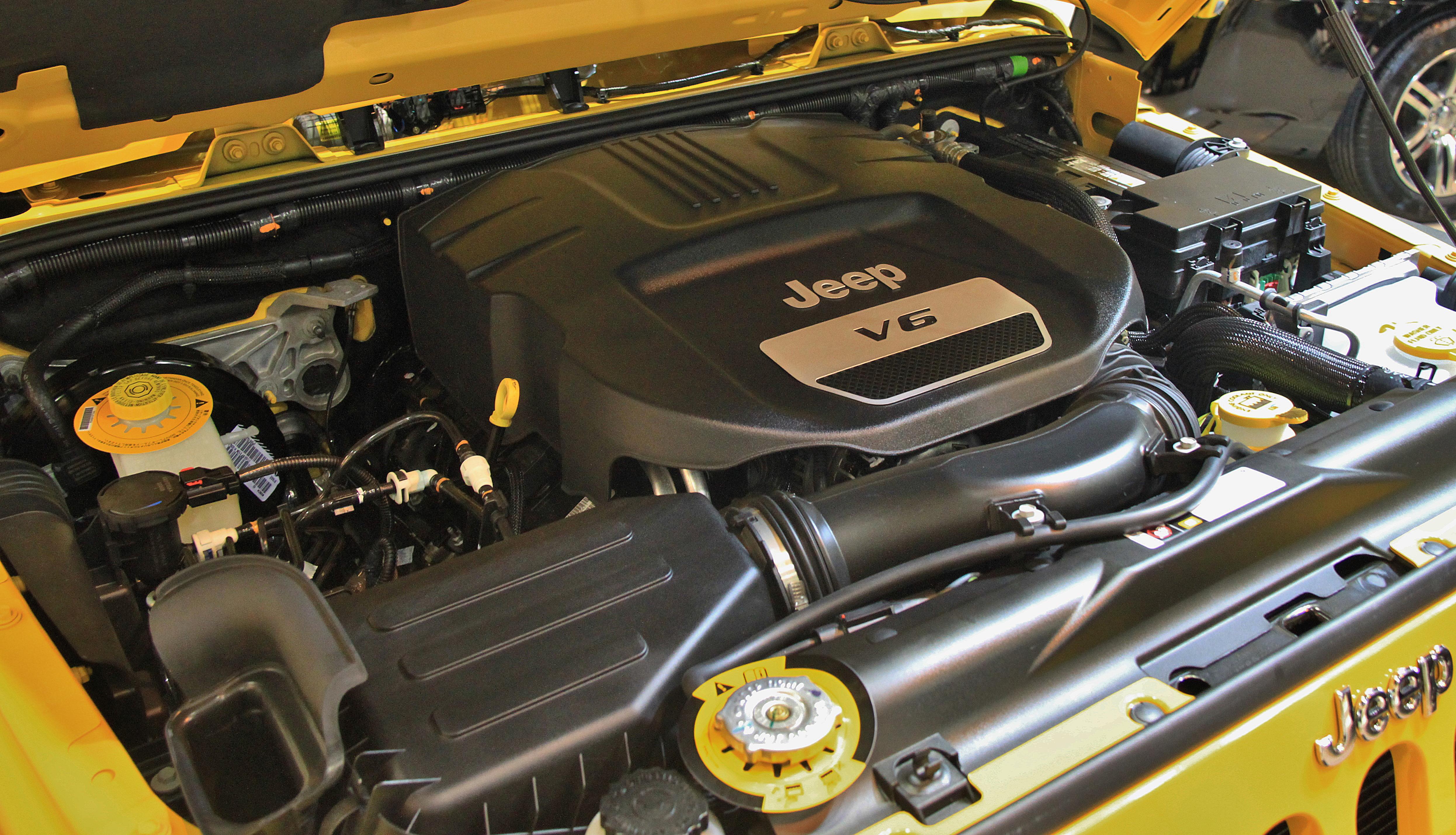 Datei:Jeep Wrangler Unlimited Sport engine.jpg – Wikipedia