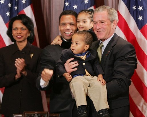 File:Jesse Jackson and children with George W Bush.jpg