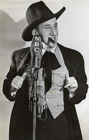 Durante on The Jumbo Fire Chief Program, 1935 Jimmy durante 1935.JPG