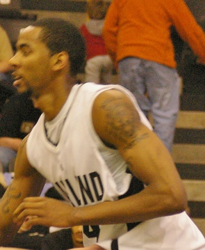 Keith Benson with Oakland in 2009.jpg