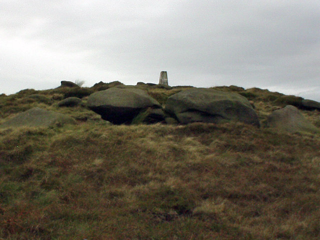 Lad Law, summit of Boulsworth Hill - geograph.org.uk - 113140