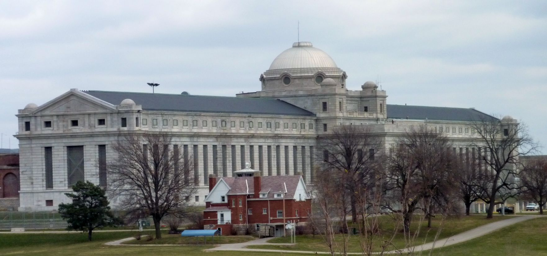Ft. Leavenworth prison