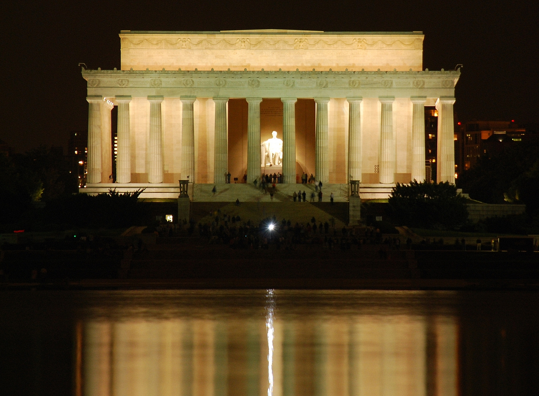 File Lincoln Memorial By Night Jpg Wikimedia Commons